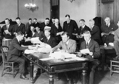 Senate Elections Committee engaged in the counting of the Ford-Newberry vote. Tellers in the foreground of the picture are Senators Walter E. Edge and Selden P. Spencer.