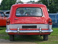 Ford Zodiac 206E Estate 1960 tail.jpg