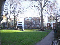 Hoxton Square in January 2006. The White Cube gallery is in the background to the right: the gallery closed in 2012.
