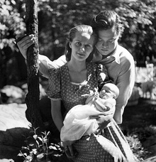 Welles and Virginia Nicolson Welles with their daughter Christopher Marlowe Welles (1938)