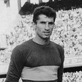 Antonio Rattín in 15 years with Boca Juniors played 352 matches.