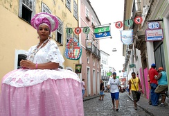 Typical dress of women from Bahia