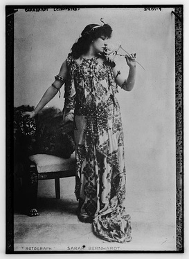 Bernhardt in Cleopatra by Sardou (1899)