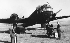 An He 177 during refueling and engine-run up, 1943. Note the four-bladed propeller. The aircraft is painted in a night camouflage scheme.
