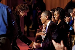 Dylan and the Obamas at the White House, after a performance celebrating music from the civil rights movement (February 9, 2010)