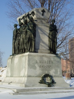 Wilfrid Laurier's grave, sculpted by Alfred Laliberté, in Notre Dame Cemetery, Ottawa