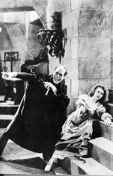Lon Chaney, Sr. and Mary Philbin in the 1925 film The Phantom of the Opera.