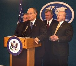 Giuliani at a NYFPC briefing after 9/11