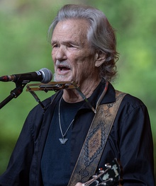 2018 Kris Kristofferson - by 2eight - DSC5043 cropped.jpg