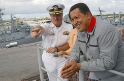 Chávez visiting the USS Yorktown, a US Navy ship docked at Curaçao in the Netherlands Antilles, in 2002