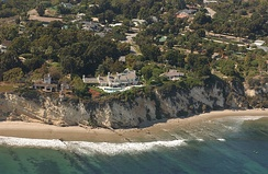 The image of Streisand's Malibu house that led to the naming of the effect
