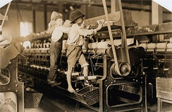 Child labor in a Georgia cotton mill, 1909. Photo by Lewis Hine.
