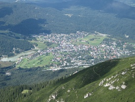 Seefeld hosted the biathlon, cross country skiing, Nordic combined, and the ski jumping normal hill events for both the 1964 and 1976 Winter Olympics in neighboring Innsbruck.