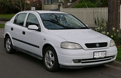 The 1998 Holden Astra continued Holden's trend of sourcing its mid-size and smaller model lines from Opel in Europe.