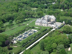 Oheka Castle, a Gold Coast estate, is the second-largest private residence in the country.