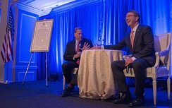 Mike Rogers and Secretary of Defense Ash Carter talked during the Center for the Study of the Presidency and Congress Eisenhower award dinner