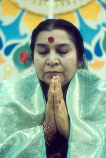 Shri Mataji at Easter 1985.jpg