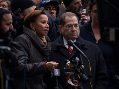 Nadler giving a press conference with Nydia Velazquez at the 2017 John F. Kennedy International Airport protest