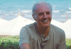 Italian Nobel-winner Dario Fo received international acclaim for his highly improvisational style