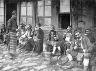 Курение кальяна в 1909г. (кафе в Стамбуле)