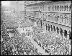Anzac Day Parade on Martin Place in 1930