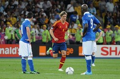 Fernando Torres and Mario Balotelli (both with number 9) in the final match