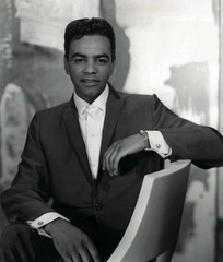 Johnny Mathis concentrated on romantic readings of jazz and pop standards for the adult contemporary audience of the 1960s and 1970s.[11]