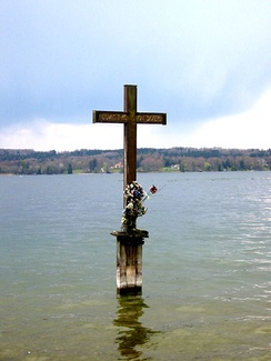 Memorial Cross at the site where the body of Ludwig II was found in Lake Starnberg
