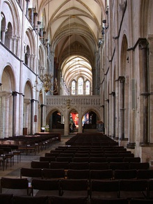 Chichester Cathedral interior - geograph.org.uk - 816490.jpg