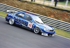 Mansell competing at Brands Hatch in the BTCC.
