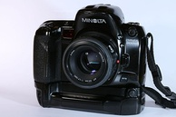 Minolta Maxxum 800si with VC-700 grip and 50mm f/1.7 lens
