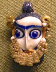 4th–3rd centuries BC Phoenician style glass pendant in the form of a head