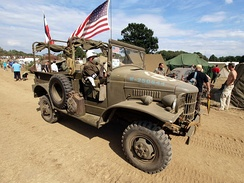 Open cab weapon carriers / pickups (with bed seating or not) were the most numerous of the ​1⁄2‑ton WC rigs