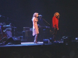 Krauss on stage with Robert Plant at Birmingham, England's NIA on May 5, 2008