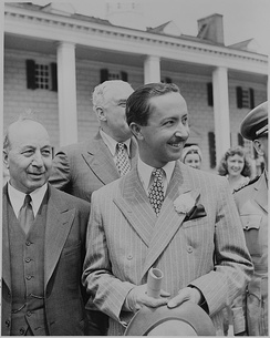 'Abd al-Ilah (holding hat) at Mount Vernon in 1945