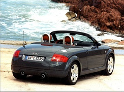 Audi TT convertible in its original appearance without a rear spoiler. Due to concerns about the car's high speed stability, Audi recalled all 1999-00 model year TTs and retrofitted them with a rear spoiler, as seen in the image below.