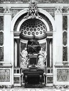 Tomb of Pope Clement XII.jpg
