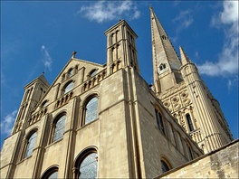 Norwich Cathedral lies close to Tombland in the city centre.