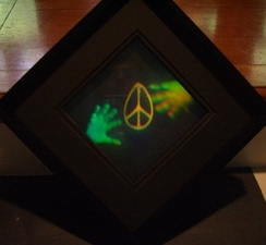 Peace Within Reach, a Denisyuk DCG hologram by amateur Dave Battin