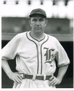 Dyer as manager of the Texas League Houston Buffaloes from 1939–1941