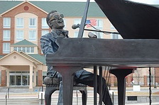 Statue by Andy Davis in Ray Charles Plaza in Albany, Georgia
