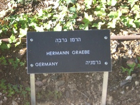 Memorial sign at Yad Vashem commemorating Hermann Graebe being titled as one of the Righteous Among the Nations.