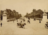 The Champs-Élysées in 1890, viewed from the Place de la Concorde.