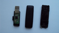 The internal mechanical and electronic parts of a Kingston 2 GB flash drive