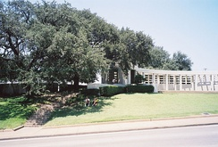 The Grassy Knoll and Bryan pergola on the north side of Elm Street