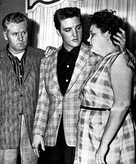Presley with his parents upon Army induction