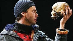 David Tennant used the skull of pianist André Tchaikowsky for Yorick's skull in a 2008 Royal Shakespeare Company production.
