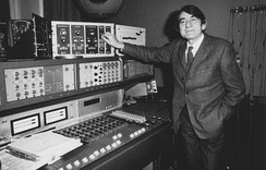 Pierre Schaeffer at the Studio 54 desk adjusting a Moog, the Coupigny is in the row below.