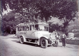 A Saurer coach of the line Oviedo-Cangas del Narcea in 1923