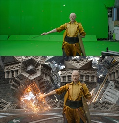 The Manhattan mirror sequence was mostly filmed on green screen (top), with visual effects added by ILM (bottom)[137]